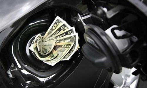 tiết kiệm xăng, xe máy, đi xe, phụ nữ, dừng đèn đỏ, đỗ xe, nhiên liệu