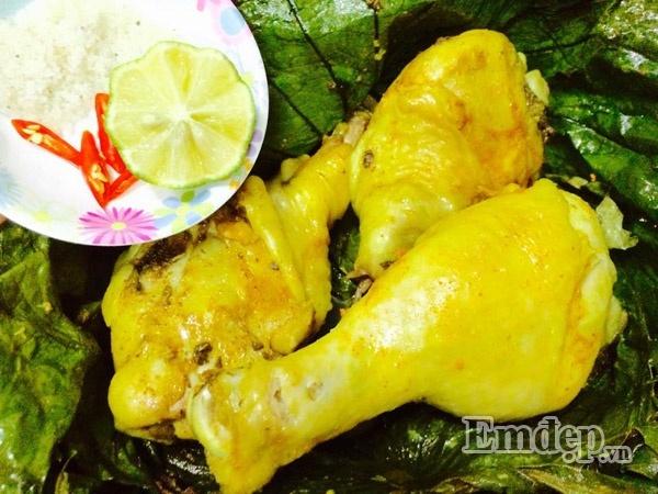 Thịt gà hấp lá sen thơm mát ngày hè