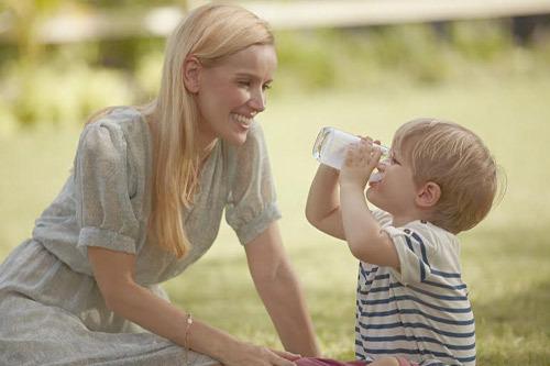 4 lưu ý khi cho trẻ dùng sữa công thức