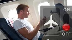 Dùng smartphone khi máy bay đang bay nguy hiểm thế nào?