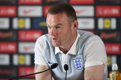 """Rooney cao giọng muốn """"kết liễu"""" Iceland"""