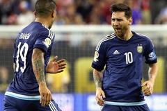 Maradona nhắn Messi: Không giành Copa thì đừng về nước!