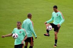 """Xem Ronaldo và đồng đội """"luyện công"""" trước trận gặp Croatia"""