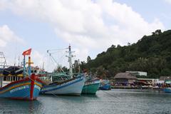 Nổ tàu đánh cá ở vùng biển Phú Quốc