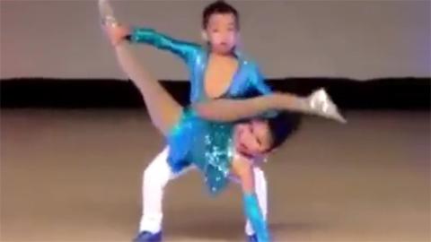 Hai vũ công nhí khiến người xem choáng