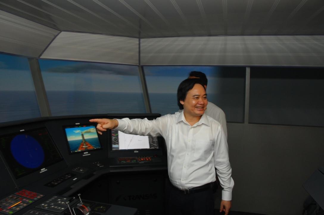 Bộ trưởng Phùng Xuân Nhạ, biên chế giáo dục, chương trình - sách giáo khoa, dạy thêm, học thêm.