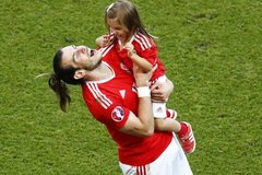 """Bale cực hạnh phúc dù thắng """"xấu xí"""" Bắc Ireland"""