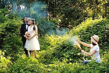 Hé lộ hậu trường 'có một không hai' của các bộ ảnh cưới