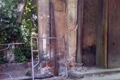 Cổng làng cổ Mông Phụ - Đường Lâm nguy cơ đổ sụp