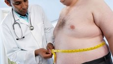 Đàn ông béo phì nên 'yêu' thế nào?