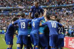 De Gea xuất thần, Italia vẫn bắn nát Tây Ban Nha