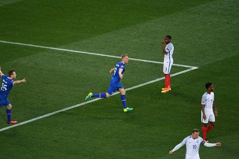 Video bàn thắng Iceland 2-1 Anh