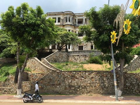 Tin đồn về lâu đài 'con ma nhà họ Hứa' ở Long Hải
