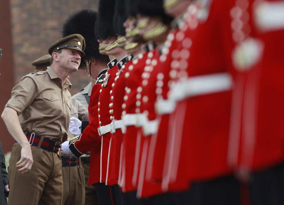 Bí quyết để có đội quân danh dự đều tăm tắp