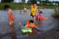 """Kỳ thú """"bãi biển"""" hoang sơ giữa Hà Nội"""