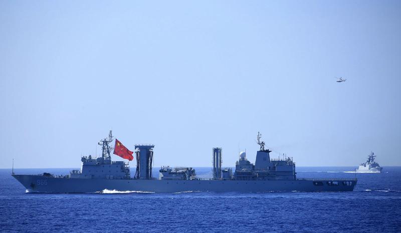 Mỹ, Trung đua nhau trưng tàu chiến khủng