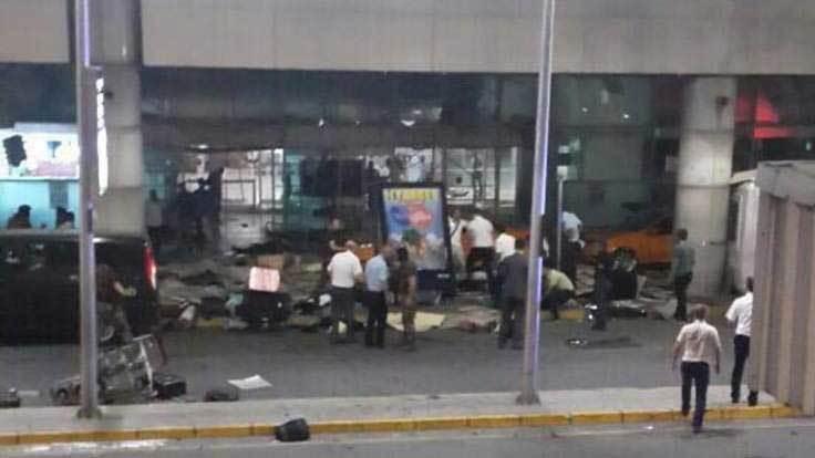 Sân bay lớn nhất Thổ bị khủng bố, thương vong la liệt