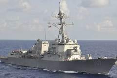 """Tàu khu trục Mỹ """"tạt đầu"""" tàu Nga"""