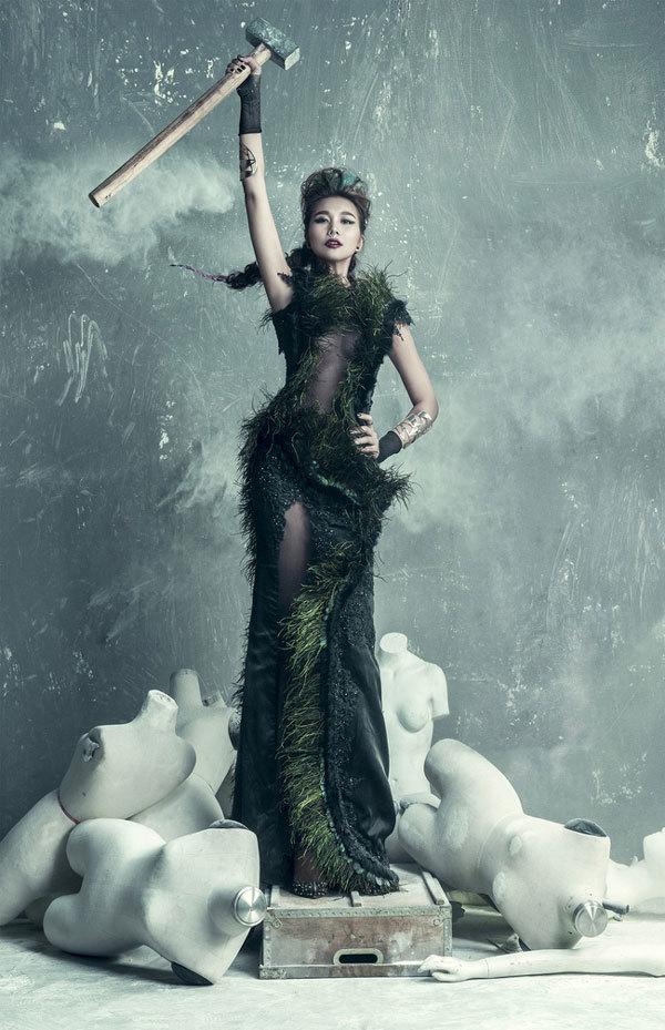 Thanh Hằng, siêu mẫu Thanh Hằng, hình ảnh sốc