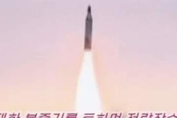 Triều Tiên tung video bắn tên lửa nhắm tới Guam?