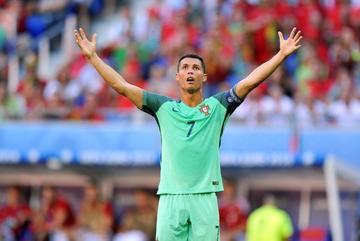 """Quốc Vượng: """"Chỉ có may mắn Bồ Đào Nha mới thắng Ba Lan"""""""