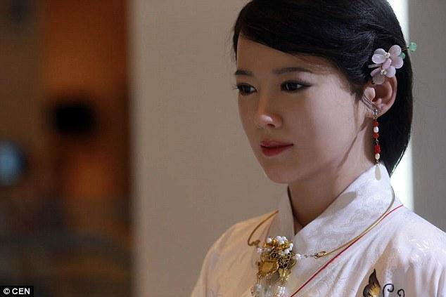 Robot thánh nữ, Jia Jia, Robot Jia Jia, robot giống người nhất