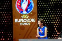 Nhà thơ Vi Thùy Linh lại lên VTV 'chém' về EURO