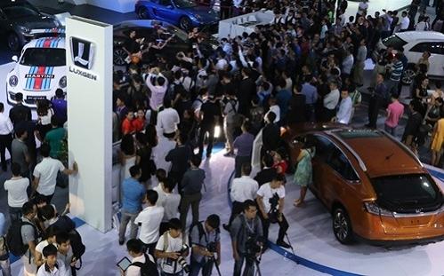 Nhà giàu, Việt Nam, tỷ đô, mua xe, ô tô, chạy thuế, trốn thuế, 1/7, siêu xe, xe sang