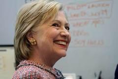 Kẻ chuyên bóc bí mật của Hillary lộ diện