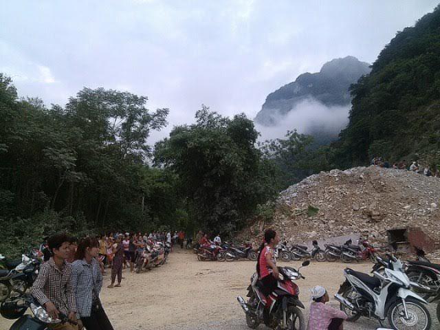 Sập mỏ đá ở Thanh Hóa, 2 người thương vong
