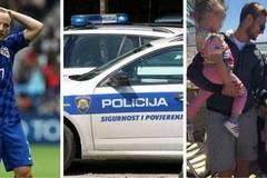 Bị loại khỏi EURO, sao Barca vẫn bị hooligan dằn mặt