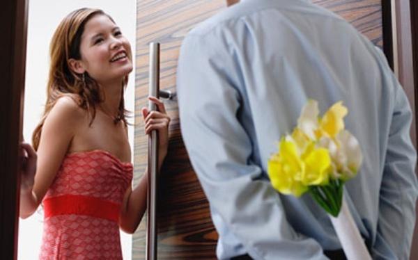 Trong lúc tình cảm, chồng tôi buột miệng khen vợ cũ 'yêu' giỏi hơn