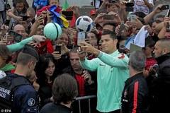 Ronaldo khiến CĐV sướng phát cuồng