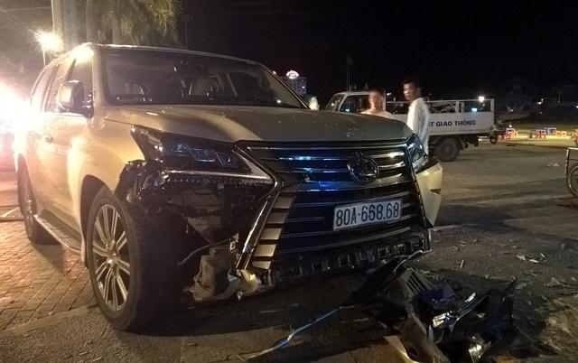Xe Lexus đâm liên hoàn: Biển VIP 80A