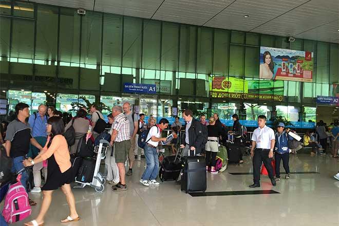 Sợ tắc đường, sân bay Tân Sơn Nhất giảm chuyến bay chiều
