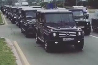Điệp viên 'mầm' của Nga đi xe xịn, đại náo phố