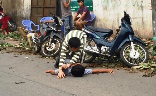 3 sinh viên ở Sài Gòn say xỉn đánh chết người