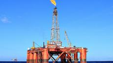 Giá dầu xuống đáy: Múc thêm 2 triệu tấn 'cứu' tăng trưởng?