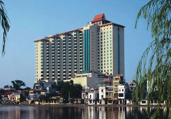 Hàng loạt khách sạn 5 sao Việt Nam được mua đi bán lại