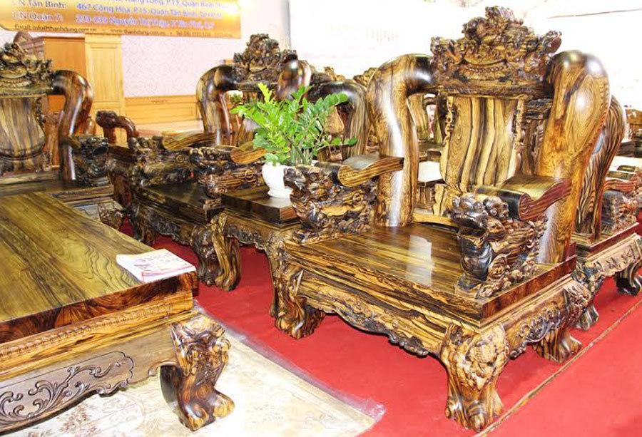 Bộ ghế kỳ lân 7 tấn, 2,2 tỷ của đại gia Sài Thành