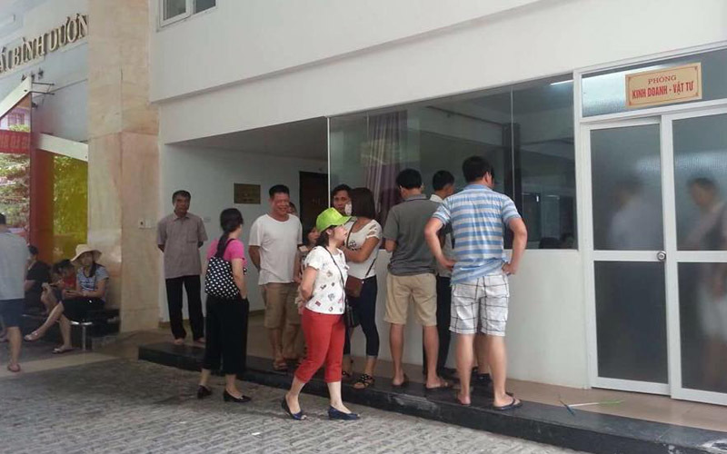 Hơn 90 khách bị 'giam xe' vì không dùng bữa ở Cửa Lò