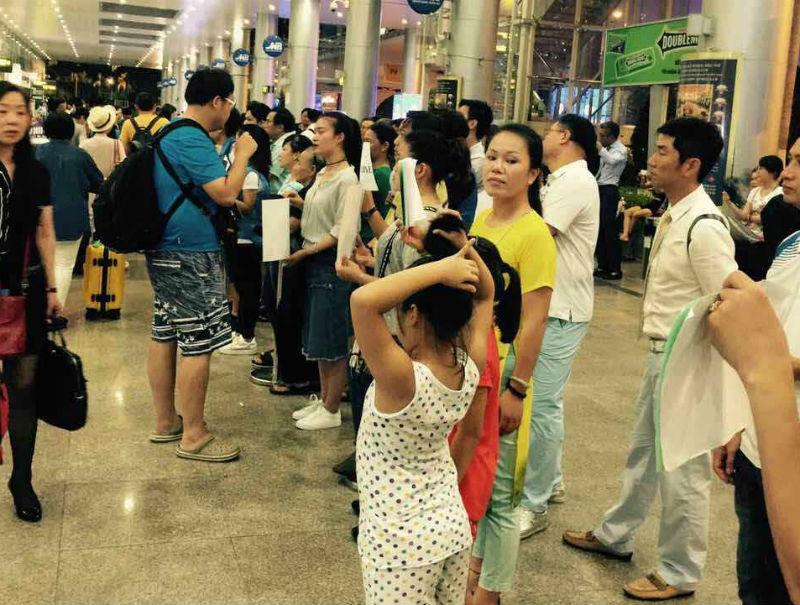 du lịch chui, hướng dẫn viên du lịch, hướng dẫn viên du lịch Trung Quốc, hướng dẫn viên chui