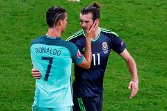 """Bồ Đào Nha hạ Xứ Wales: Ngày Ronaldo """"dằn mặt"""" Bale"""