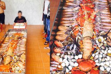 Nồi lẩu hải sản dài 2 mét - khủng chưa từng thấy ở Việt Nam