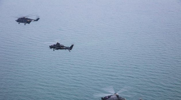 Trực thăng tấn công, gunship, trực thăng, quân đội, biển Đông, Hoàng Sa, tên lửa, hỏa tiễn