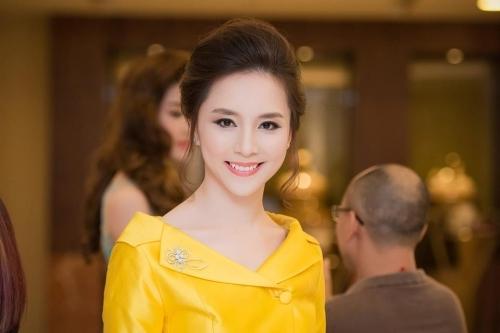 Lục lại quá khứ của hoa hậu Phạm Hương, Đặng Thu Thảo