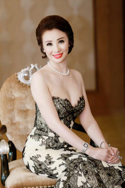 Đề nghị xử lý Hoa hậu doanh nhân vì thi chui