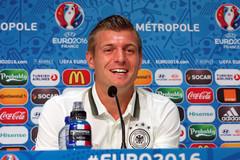 """Toni Kroos """"phán"""", Pháp sẽ không thua thảm như Brazil!"""