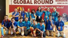 Học sinh Việt 'chân thấp chân cao' ra biển lớn