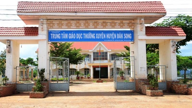 Giám đốc, giám đốc trung tâm giáo dục thường xuyên, đình chỉ công tác giám đốc, Sở GD-ĐT Đắk Nông